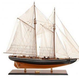 Classic Yachts & Boat Models