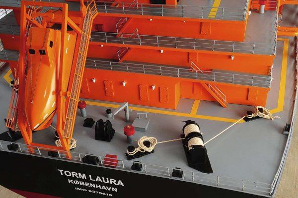 1426-4791-Oil-Tanker-Model-Ship