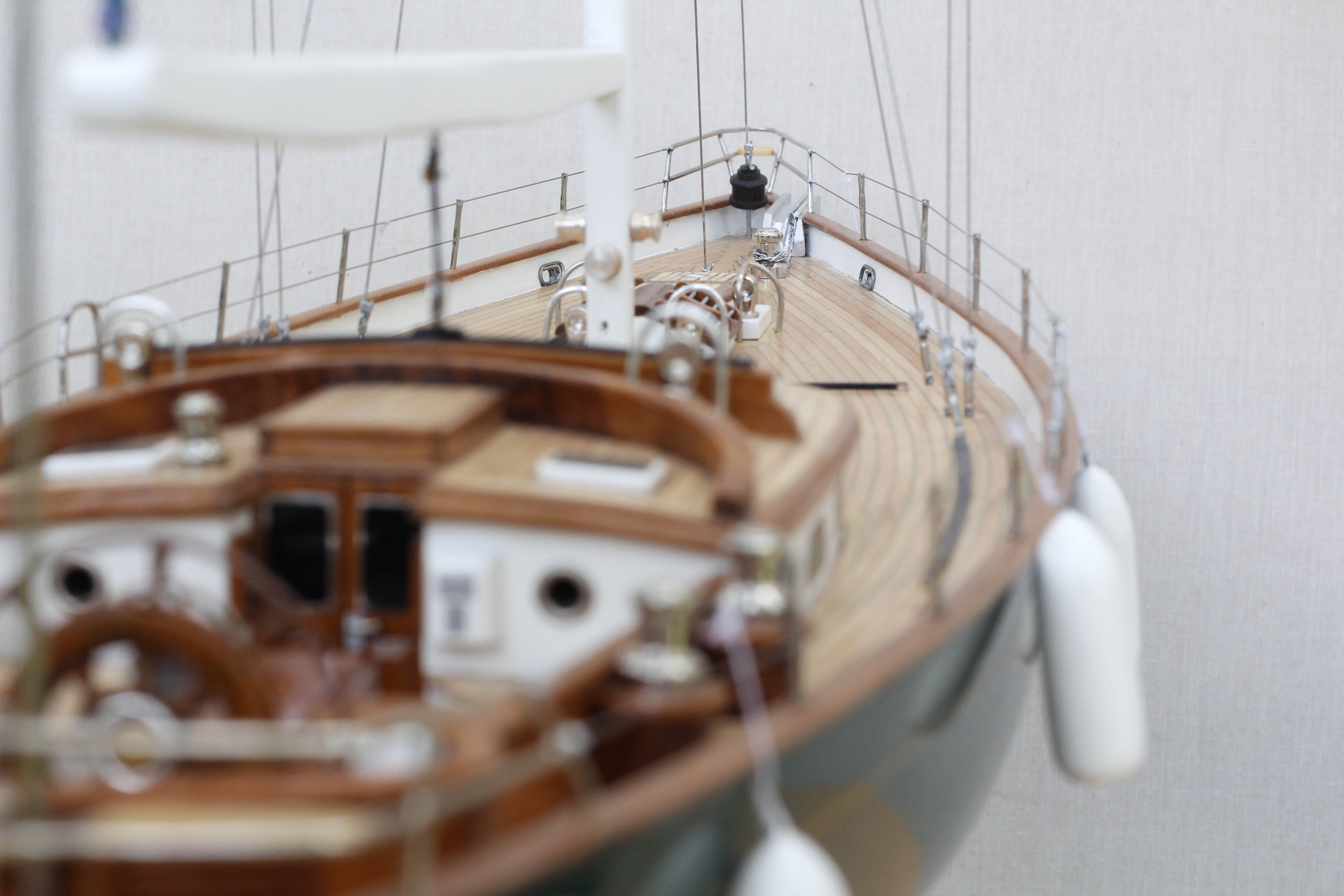 2532-14391-70ft-Hoeck-Design-Model-Sailing-Boat-Superior-Range