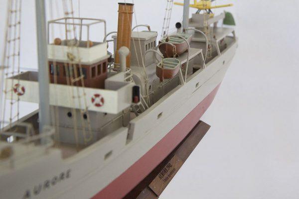 2533-14400-Aurore-Tintin-Model-Ship-Superior-Range