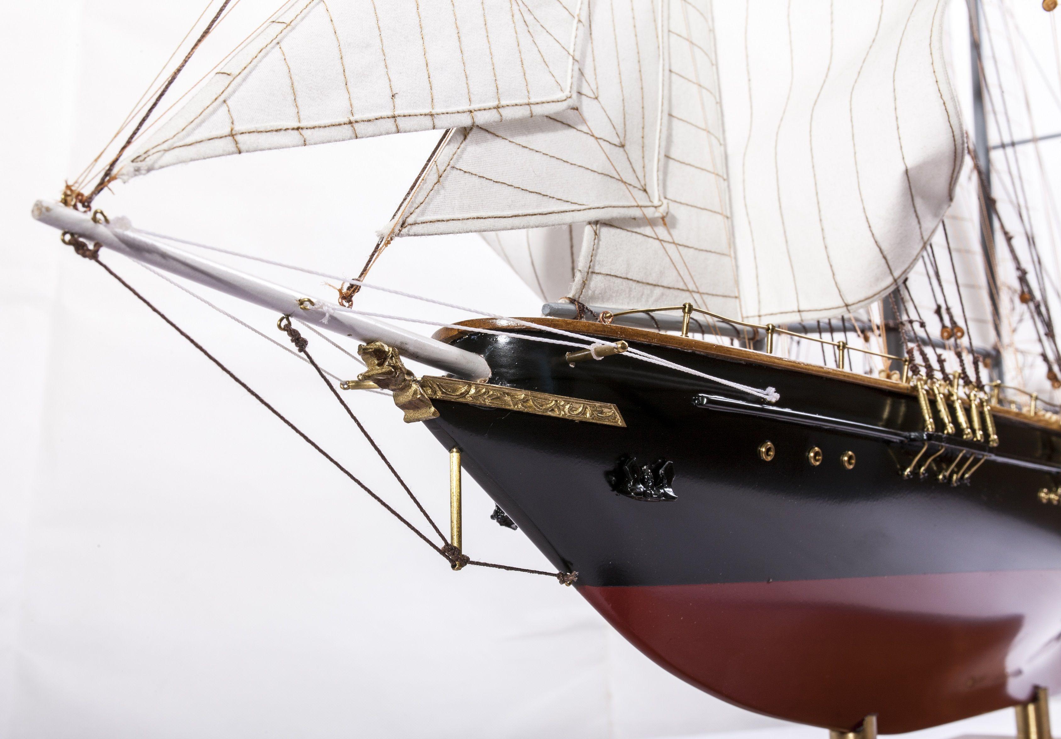1524-9093-Sir-Winston-Churchill-Model-Boat