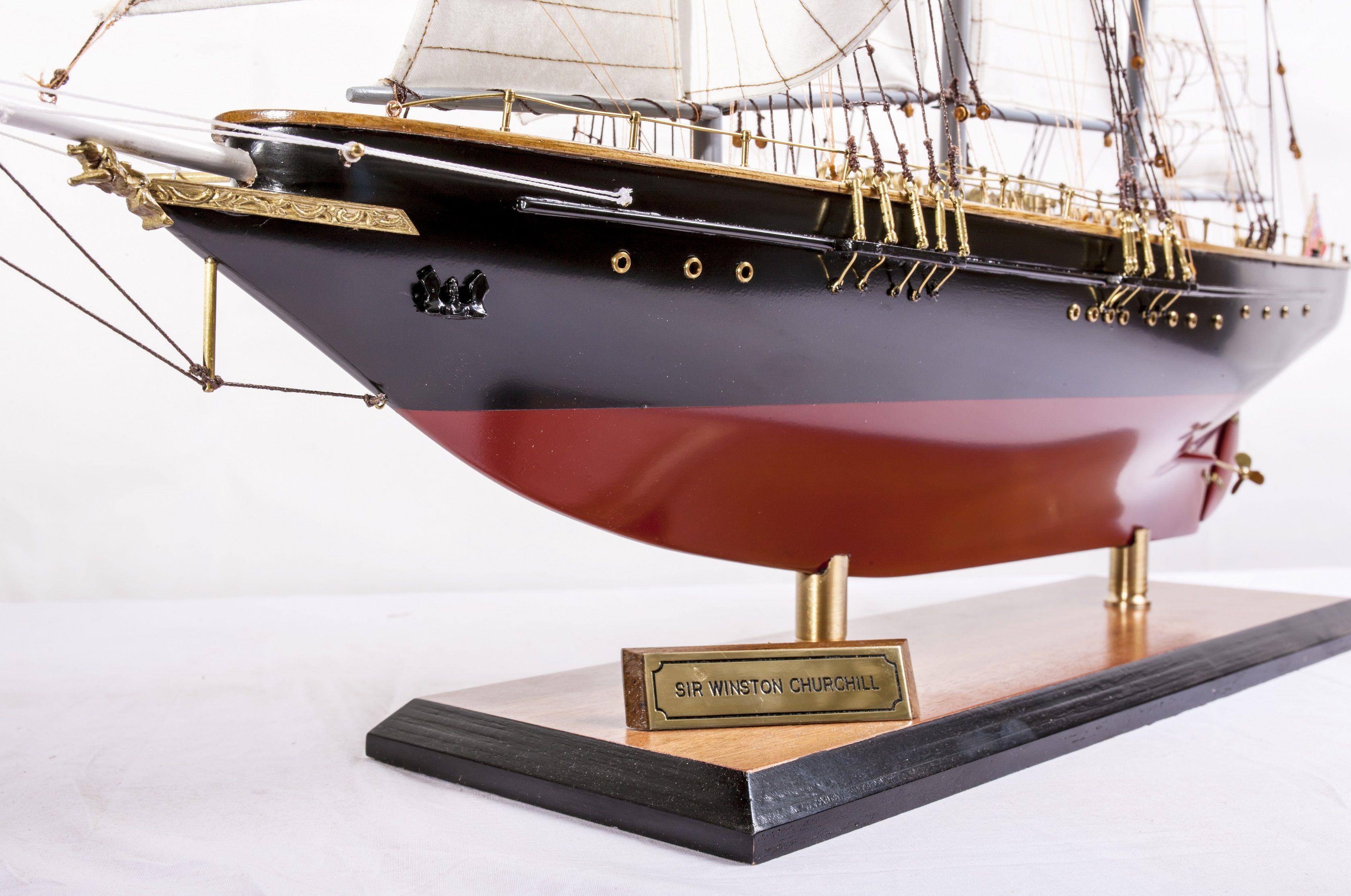 1524-9099-Sir-Winston-Churchill-Model-Boat