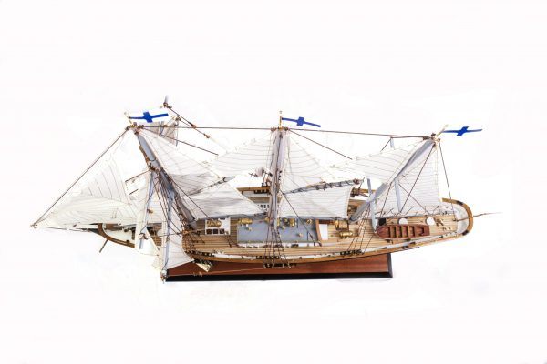 1524-9100-Sir-Winston-Churchill-Model-Boat