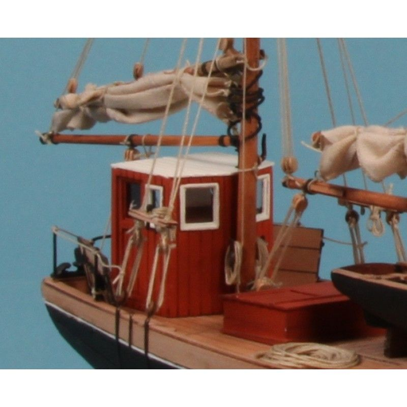 Maria HF31 Ship Model Kit - Dusek (D016)