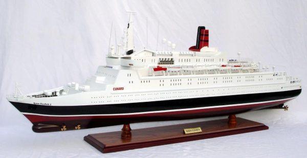 2088-12394-Queen-Elizabeth-2-Ship-Model