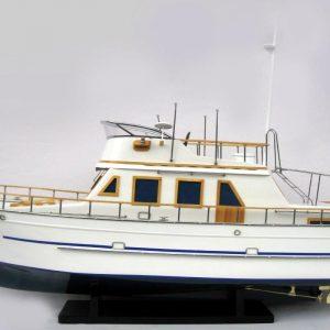 2092-12429-Reinee-Roo-Model-Ship