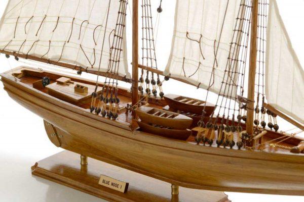 116-8122-Blue-Nose-I-Model-Yacht-Superior-Range