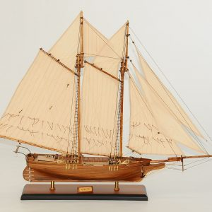 122-8271-Flying-Fish-Model-Ship-Superior-Range