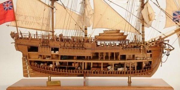 1232-7331-HMS-Endeavour-Open-Hull-Model-Ship-Premier-range