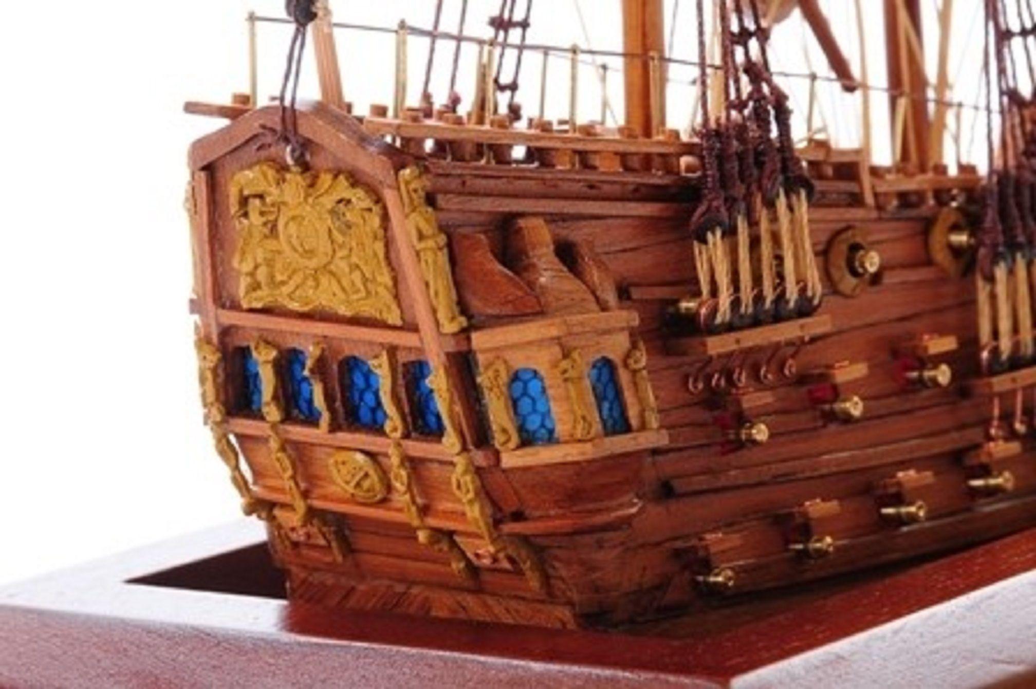 1254-7012-Bristol-Waterline-Model-Ship-Premier-Range