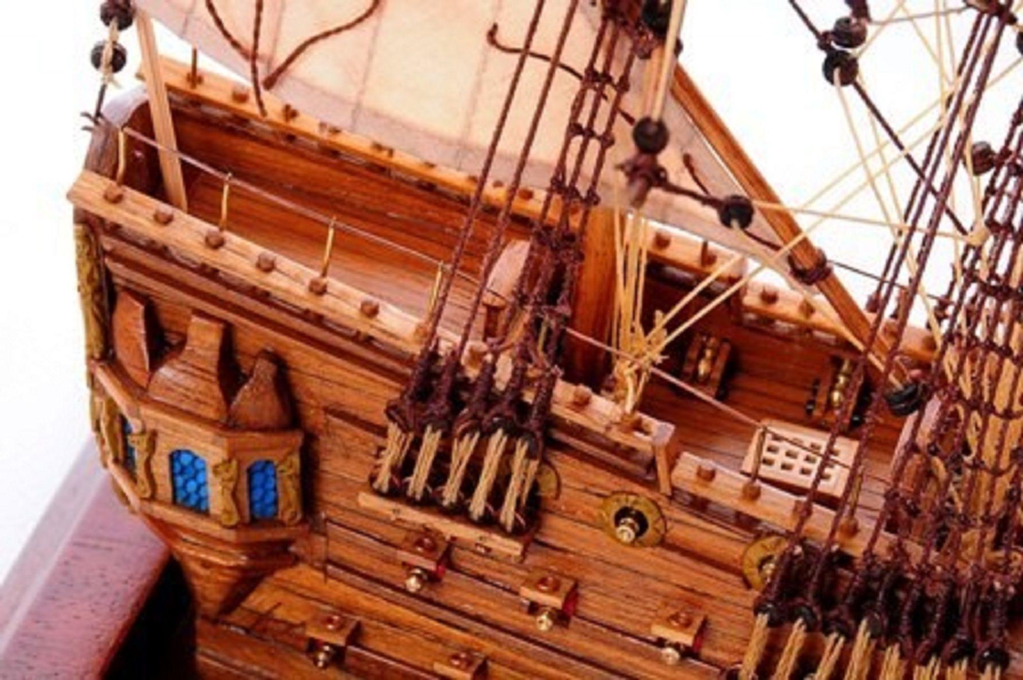1254-7013-Bristol-Waterline-Model-Ship-Premier-Range