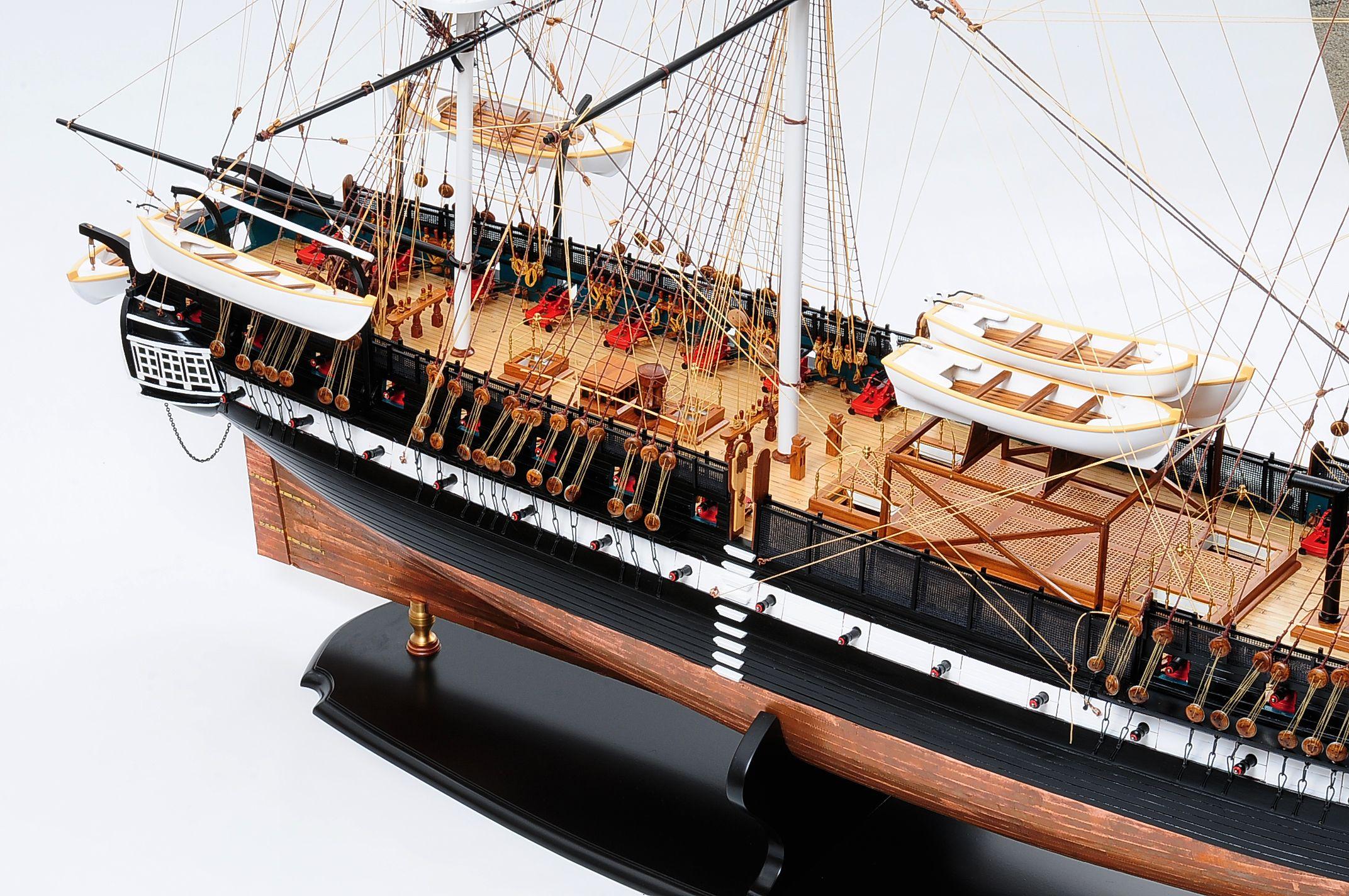 1258-7863-USS-Constitution-Model-Ship-Premier-Range