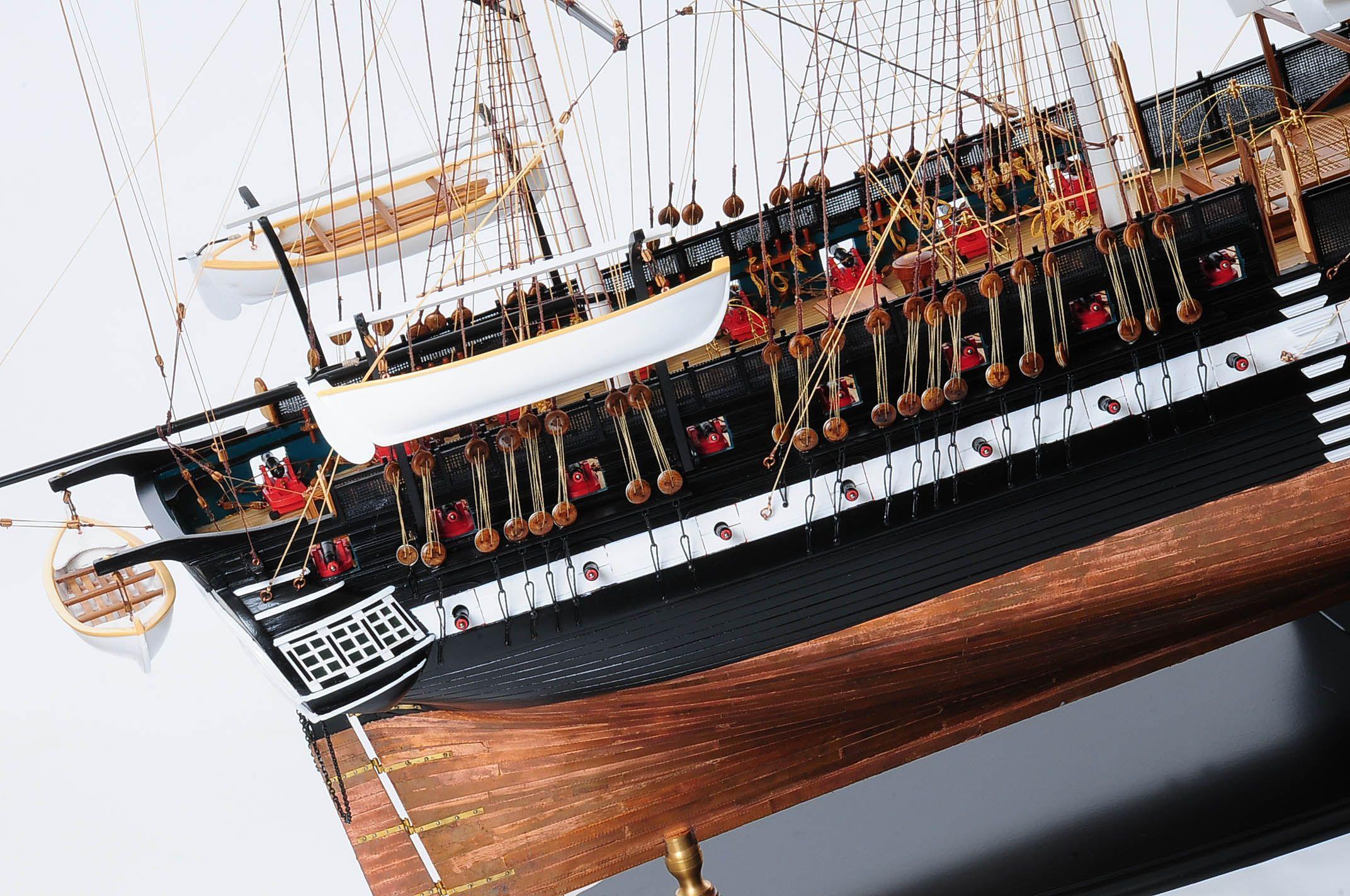 1258-7884-USS-Constitution-Model-Ship-Premier-Range