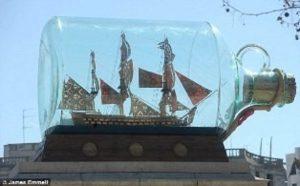 1291-7423-HMS-Victory-Bicentennial-Model-in-a-Bottle-Premier-Range