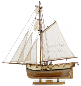 131-8993-HMS-Hunter-Model-Boat-Superior-Range