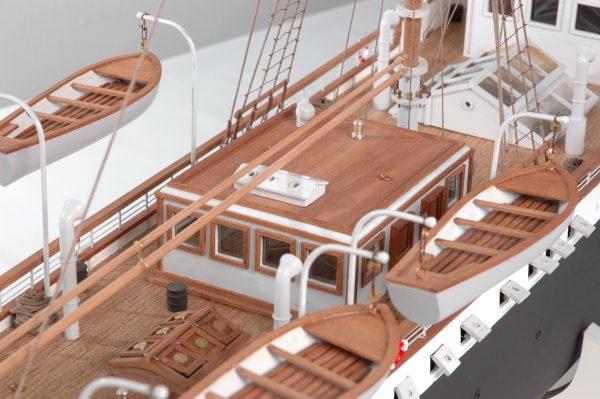 1416-6300-G-G-Loudon-Ship-Model-large-Premier-Range