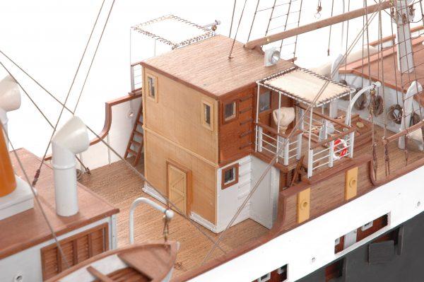 1416-6306-G-G-Loudon-Ship-Model-large-Premier-Range