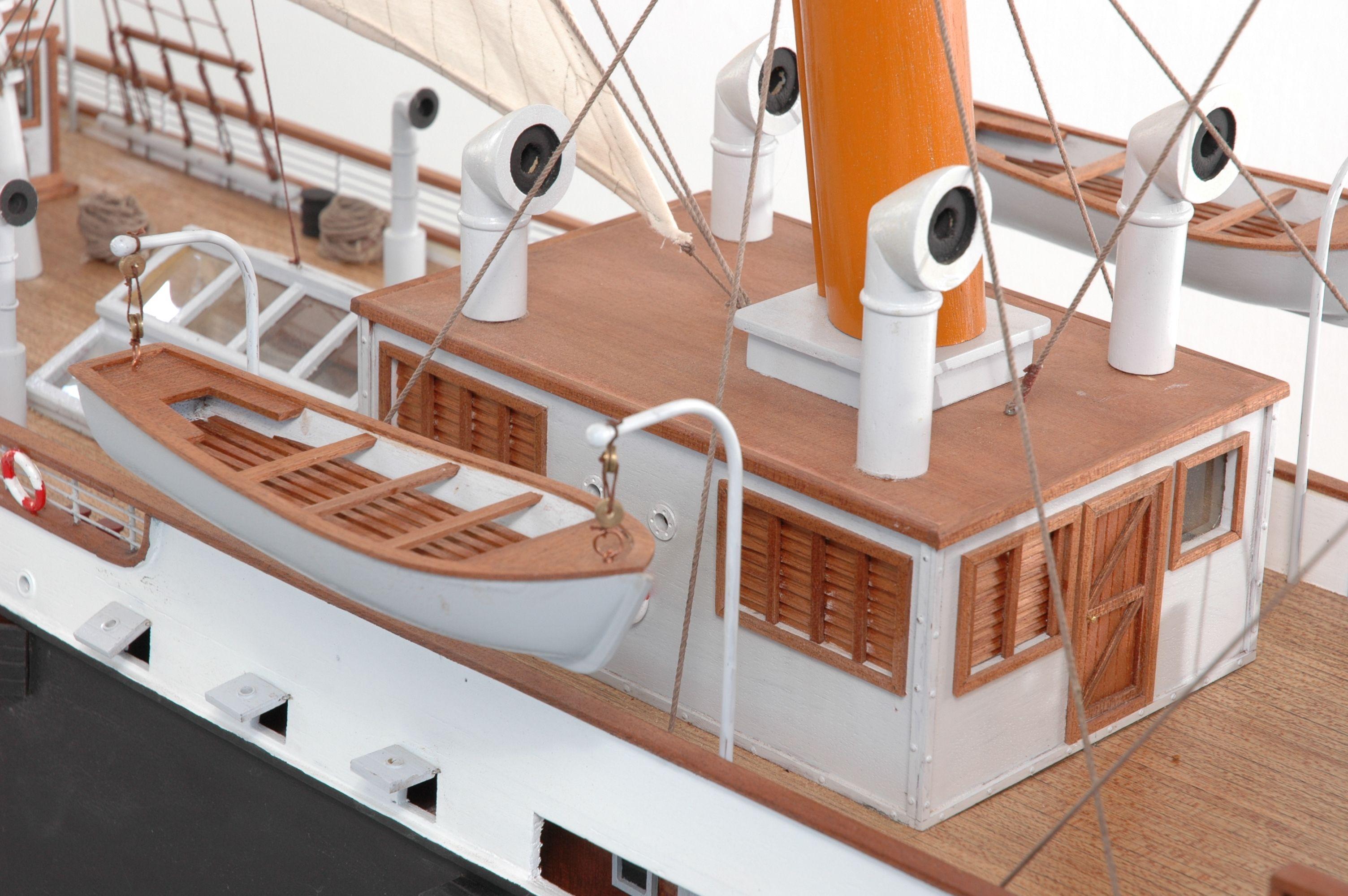 1416-6314-G-G-Loudon-Ship-Model-large-Premier-Range