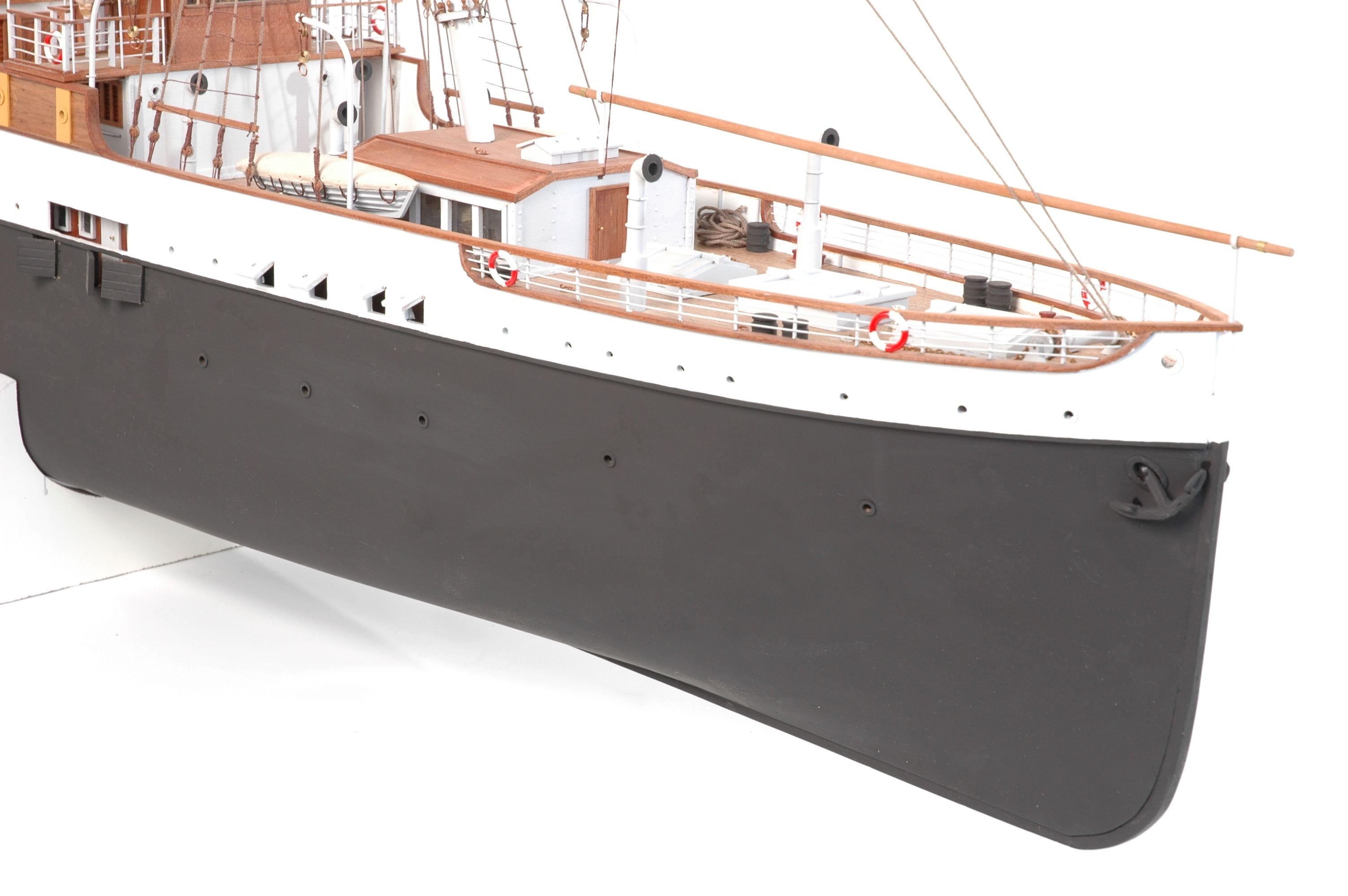 1416-6316-G-G-Loudon-Ship-Model-large-Premier-Range