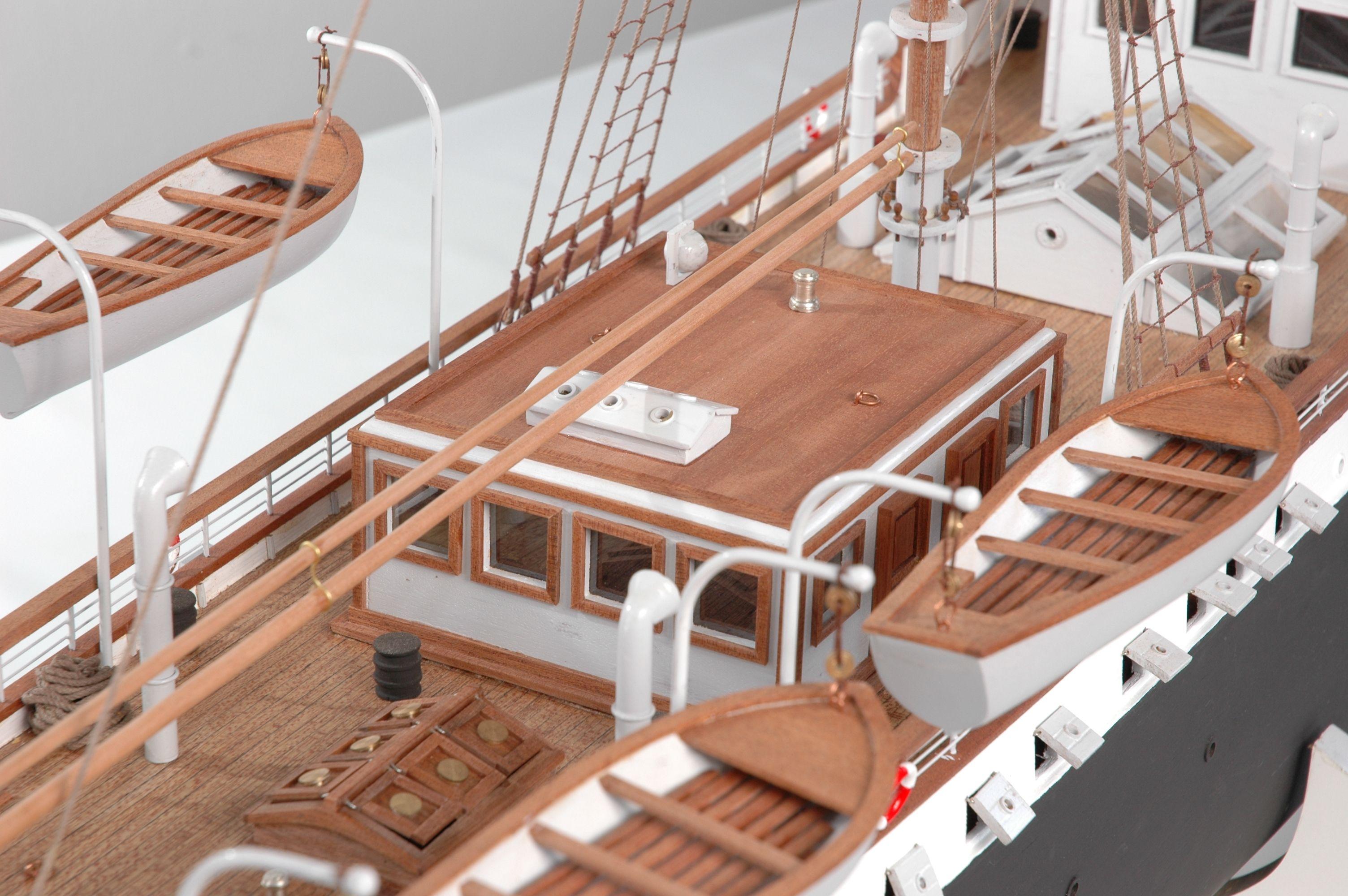 1416-6320-G-G-Loudon-Ship-Model-large-Premier-Range
