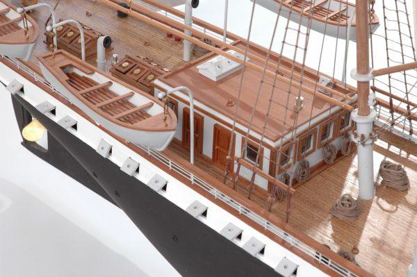 1416-6322-G-G-Loudon-Ship-Model-large-Premier-Range