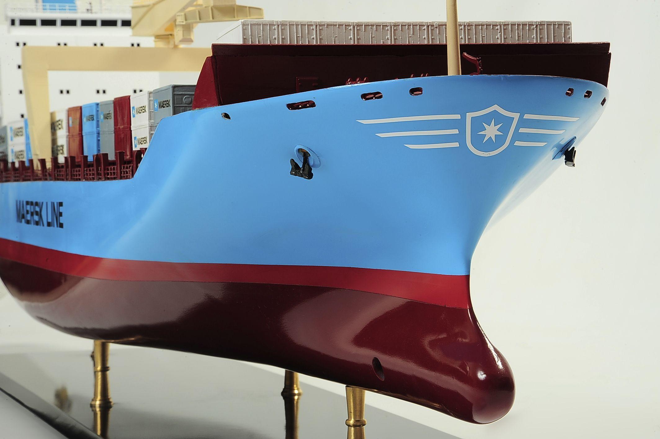 1417-6255-Bulk-Carrier-Model-Ship-Kit