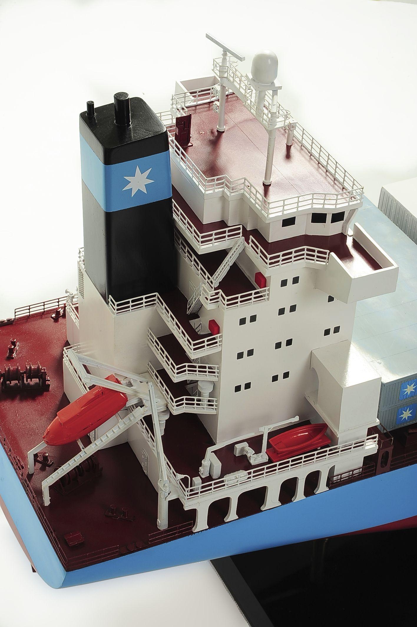 1417-6264-Bulk-Carrier-Model-Ship-Kit