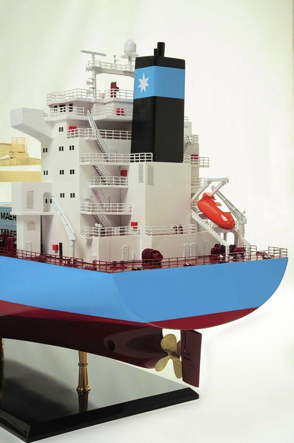 1417-6270-Bulk-Carrier-Model-Ship-Kit