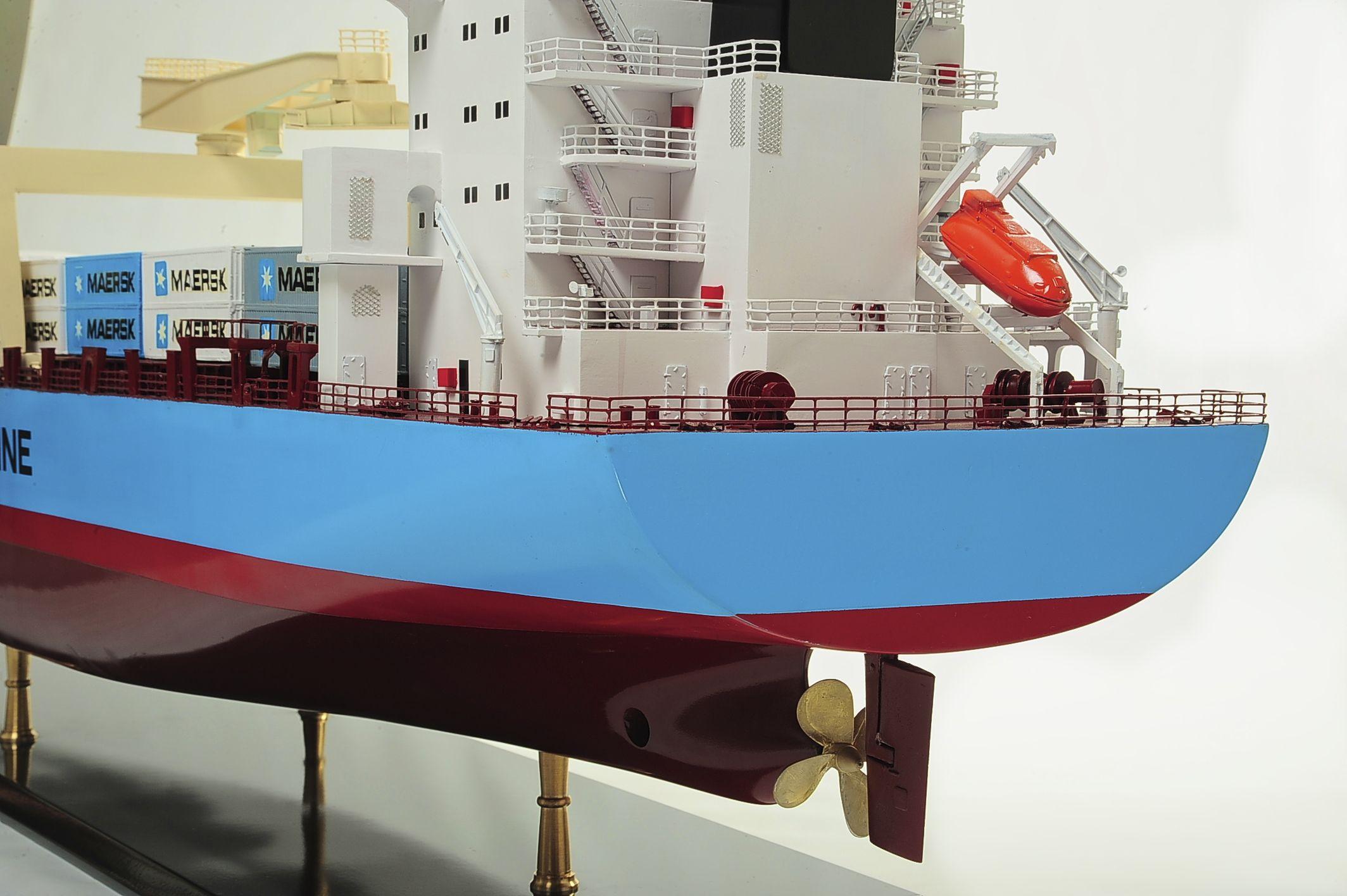 1417-6271-Bulk-Carrier-Model-Ship-Kit