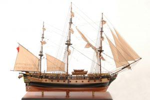 1421-7382-HMS-Surprise-Model-Ship-Extra-Large-Premier-Range