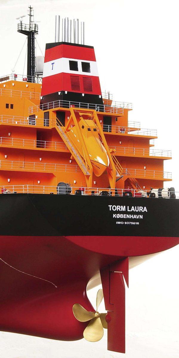 1426-4796-Oil-Tanker-Model-Ship
