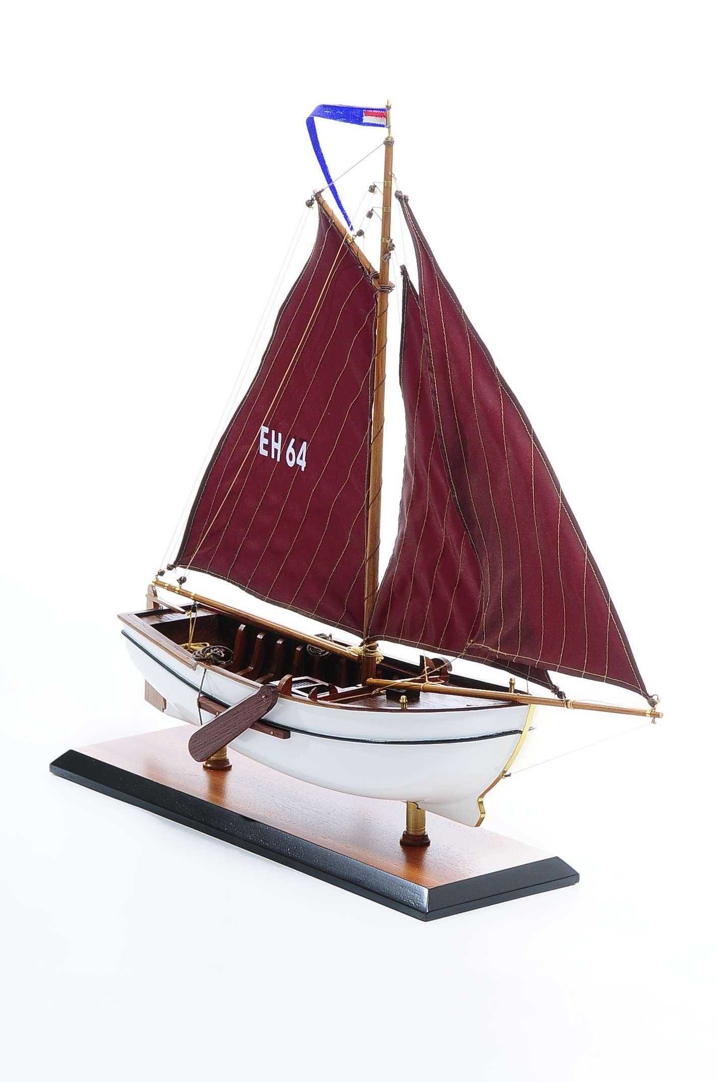 1432-4571-Dutch-Marker-Roundbow-Model-Boat
