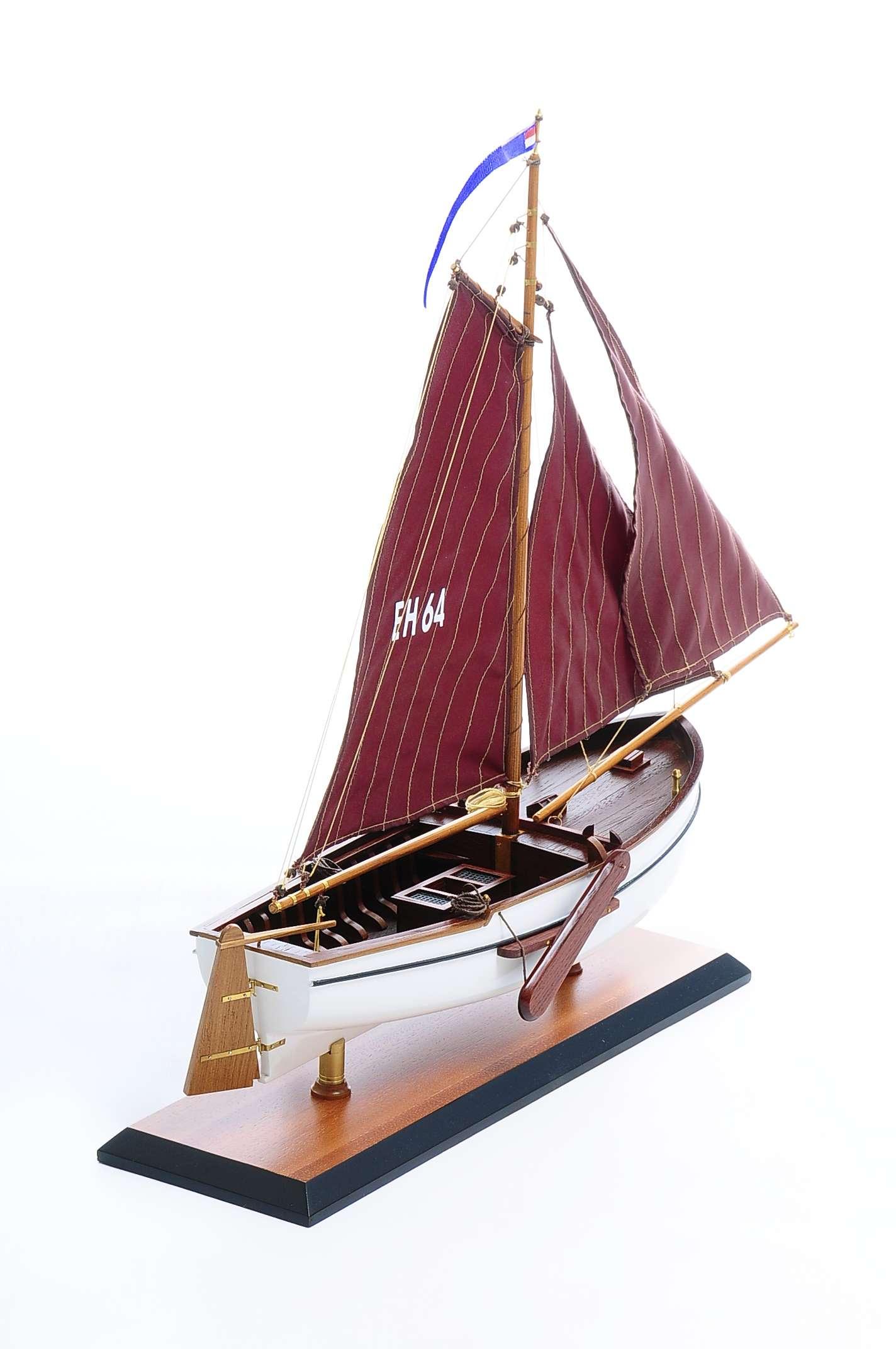 1432-4573-Dutch-Marker-Roundbow-Model-Boat