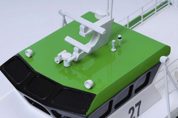 1440-4957-Wind-Express-27-Catamaran-Model