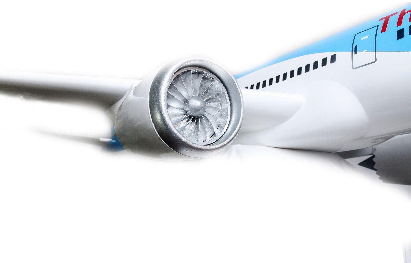 1525-9142-Boeing-787-800-Thomson-Airways-Model-Plane