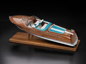 1638-9298-Italian-Runabout-Model-Ship-Kit