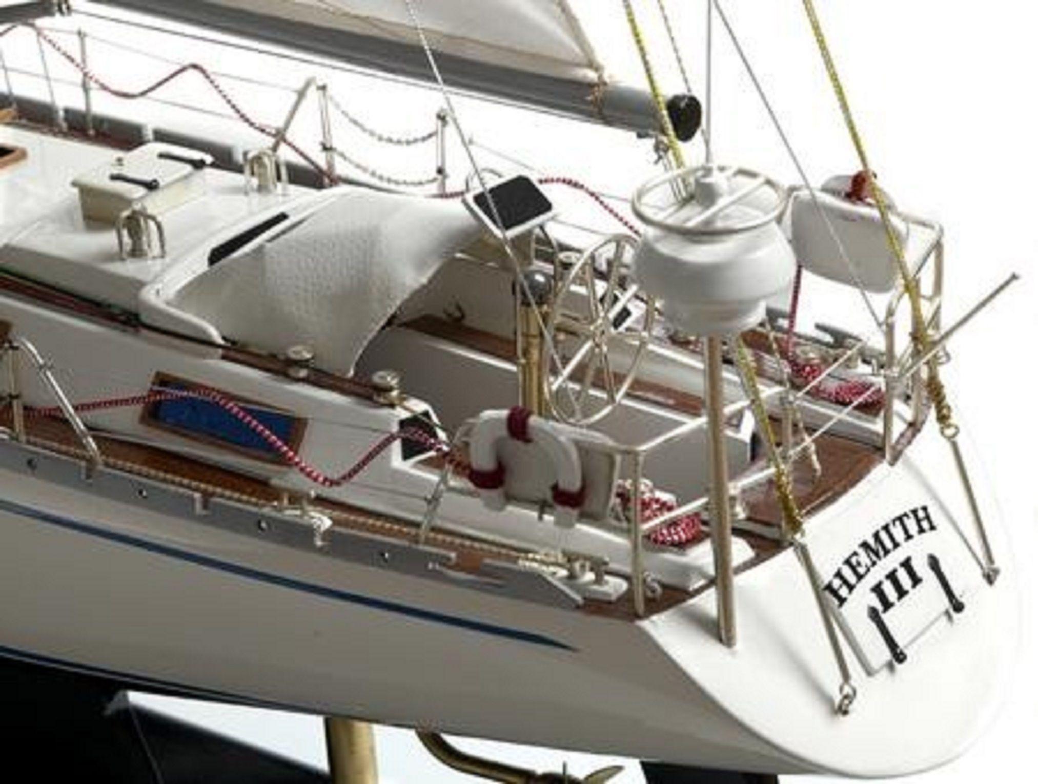 165-6857-Hemith-III-model-yacht