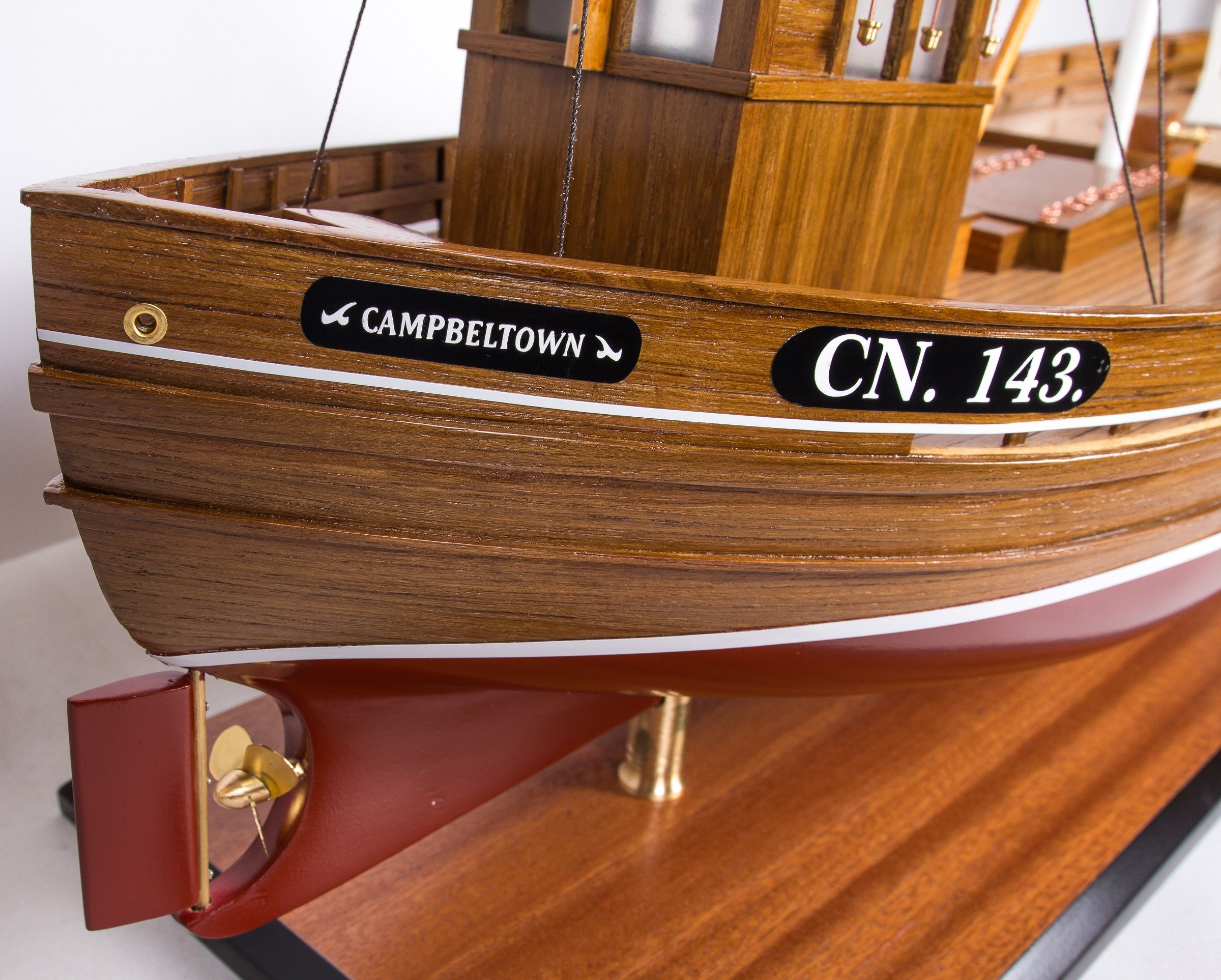 1666-9364-Amalthea-CN-143-Model-Boat