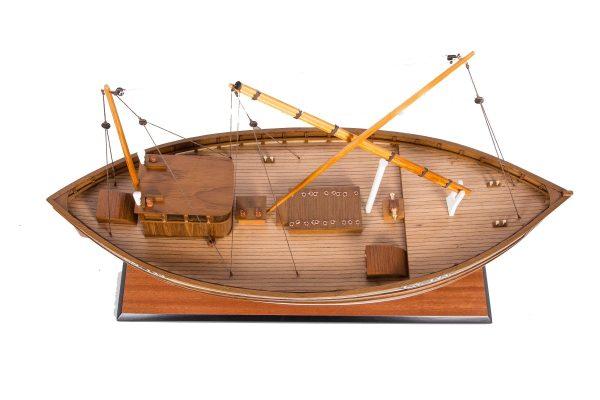 1666-9370-Amalthea-CN-143-Model-Boat