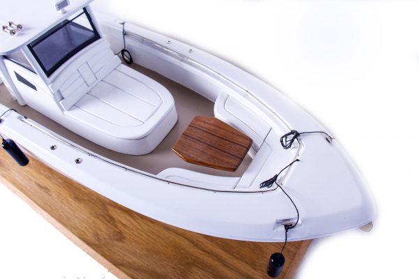 1686-9521-Boston-Whaler-Outrage-370-Model-Boat