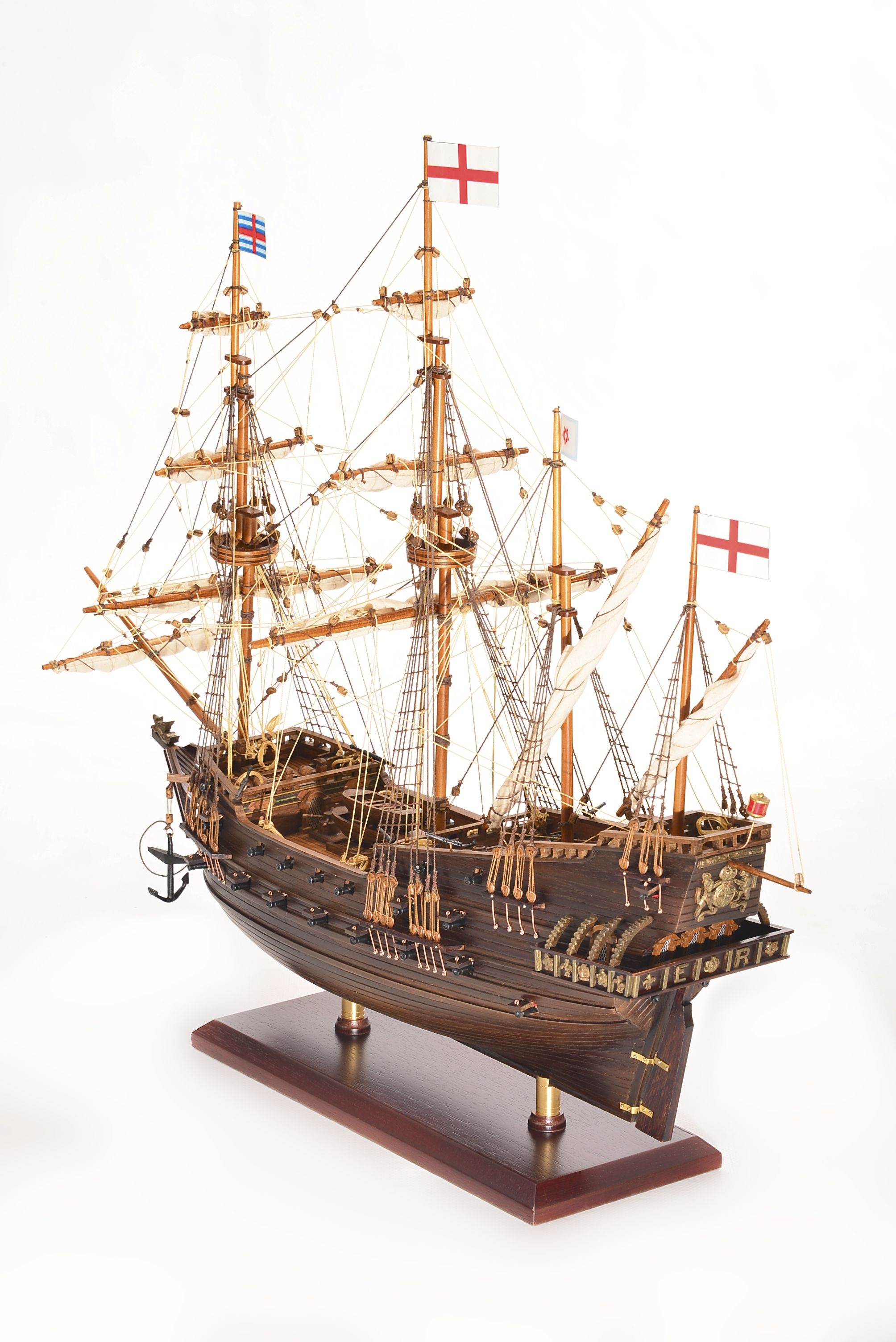 1803-10771-Hms-Revenge-Model-Ship