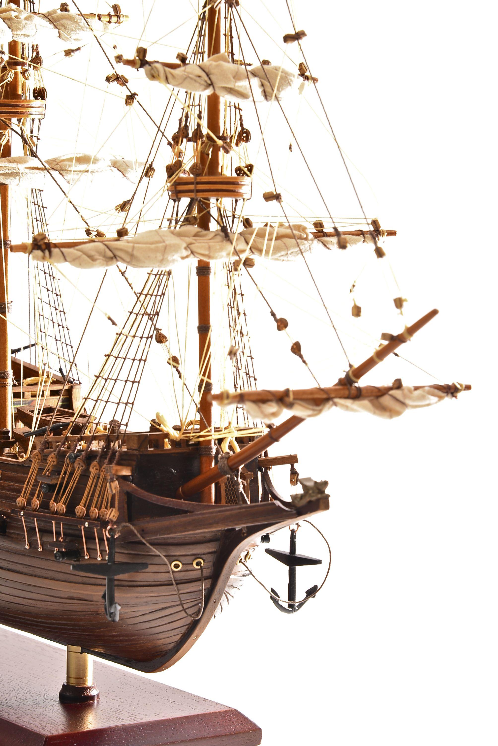 1803-10774-Hms-Revenge-Model-Ship
