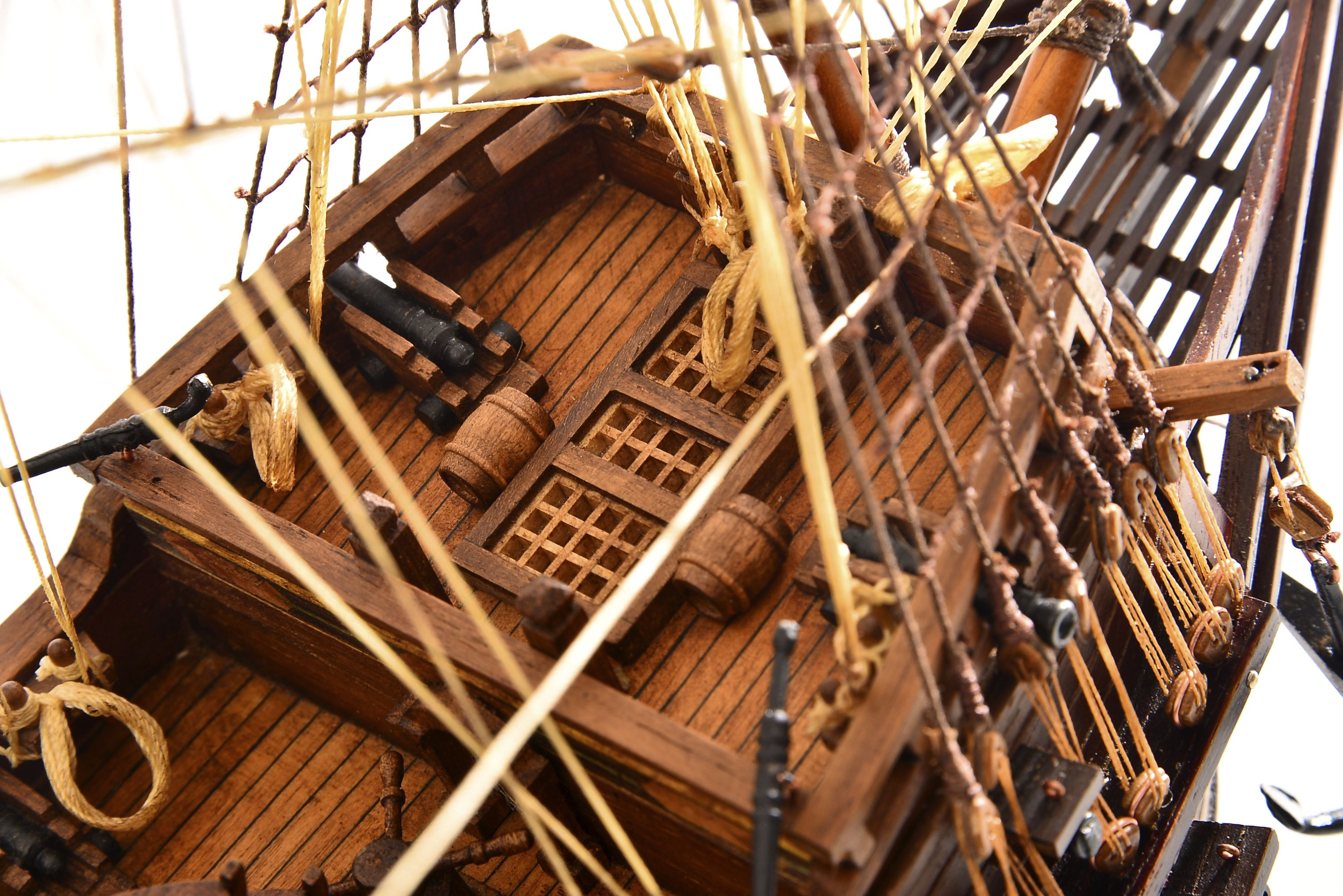 1803-10785-Hms-Revenge-Model-Ship