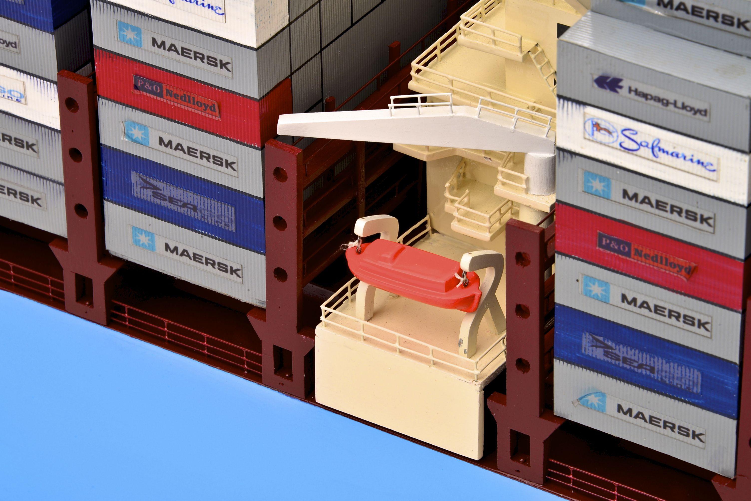 1812-10727-Emma-Maersk-Model-Ship
