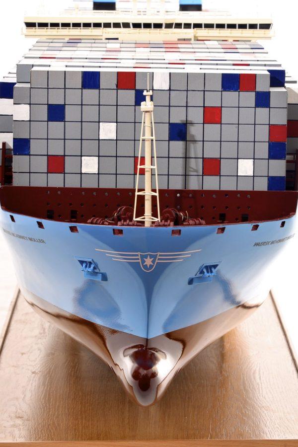1812-10730-Emma-Maersk-Model-Ship