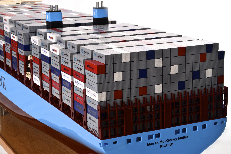 1812-10738-Emma-Maersk-Model-Ship