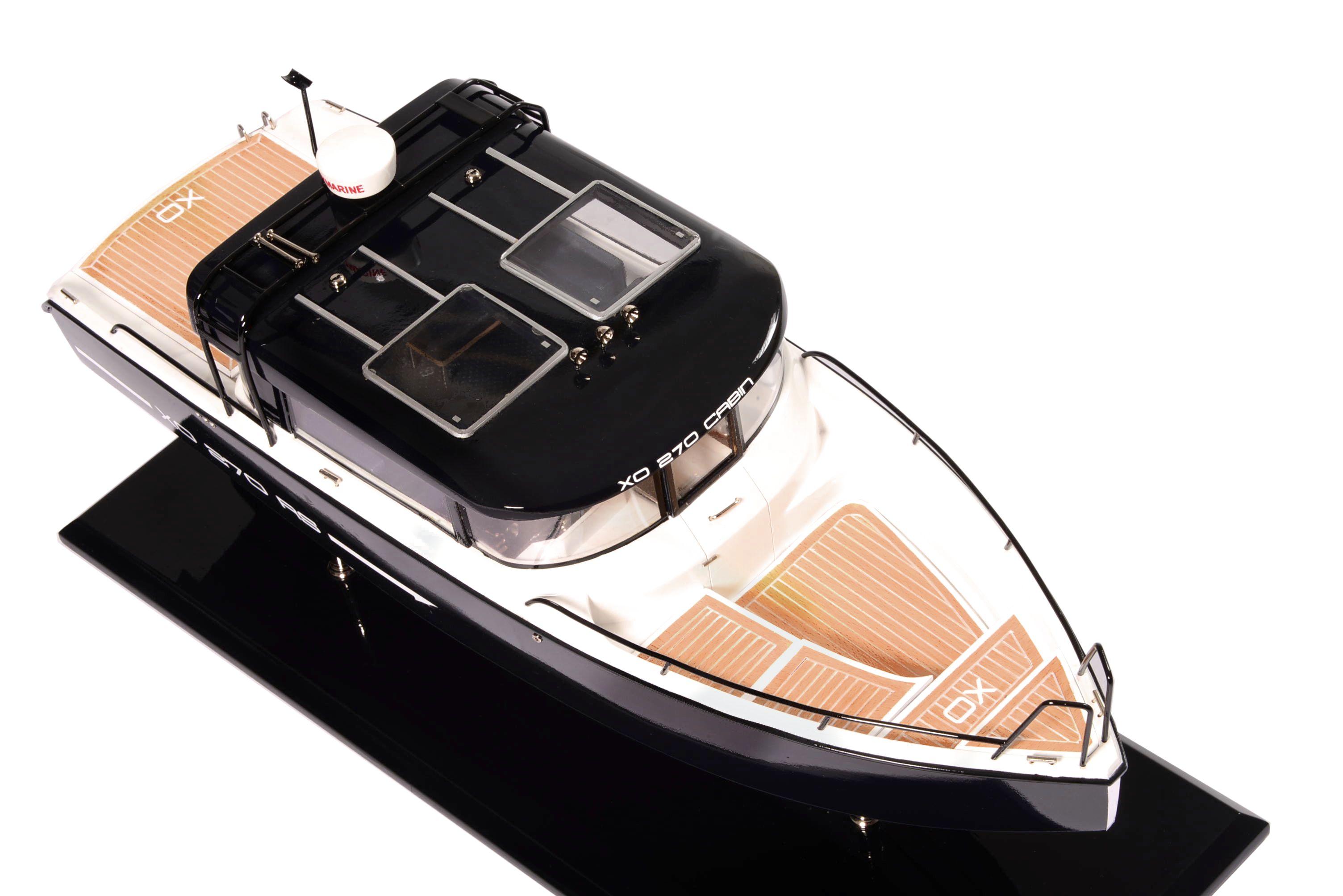 1831-10871-Bahari-Xo-Front-Cabin-Ship-Model
