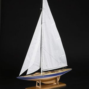 1983-11651-Endeavour-Yacht-Scale-150-Wooden-Model-Ship-Kit-Amati-170085