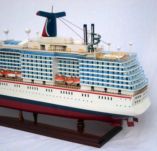 1984-11657-Carnival-MiracleI-model-boat