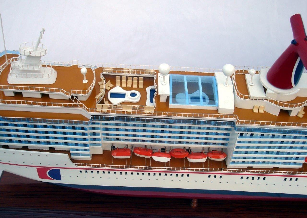 1984-11662-Carnival-MiracleI-model-boat
